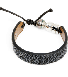 Grey stingray bracelet with Tahitian pearl and Romeo J. sterling silver bead