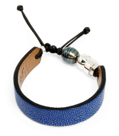 Royal blue stingray bracelet with Tahitian pearl and sterling silver Romeo J. bead