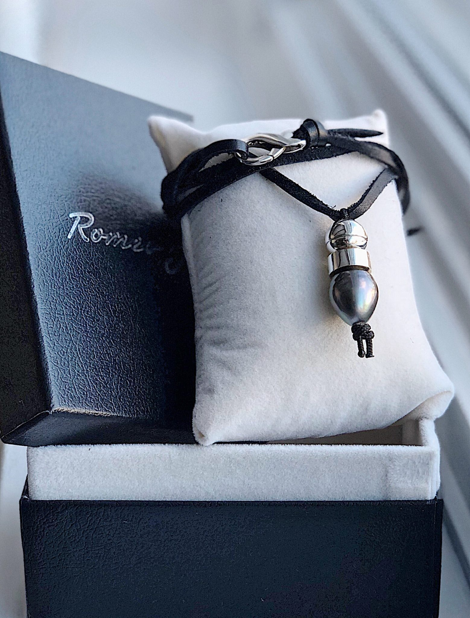 Bullet necklace   Romeo J    Elegant and authentic   See this necklace!