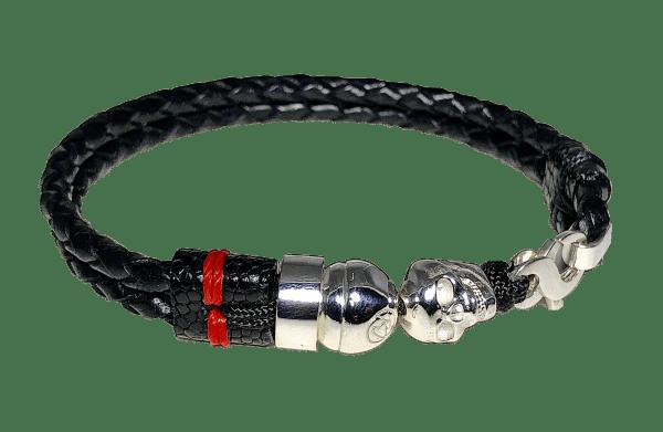 Bracelet en cuir tressé noir avec tête de mort en argent sterling
