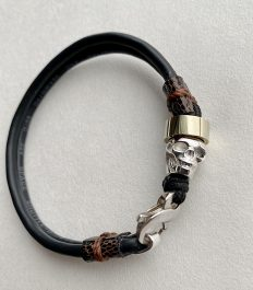 Recycled bracelet recyclé made with electronic cables with sterling silver skull