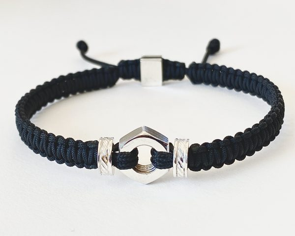 Bracelet pour homme en macramé avec pièce en argent Romeo J.